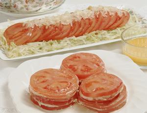 トマトのツナサンド・トマトのサラダ